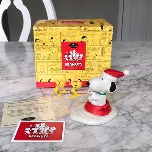 Snoopy Peanuts Gallery Christmas figurine